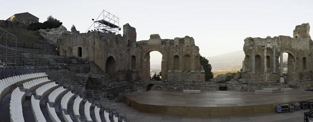 La dea dell'amore (Taormina, Teatro Greco)